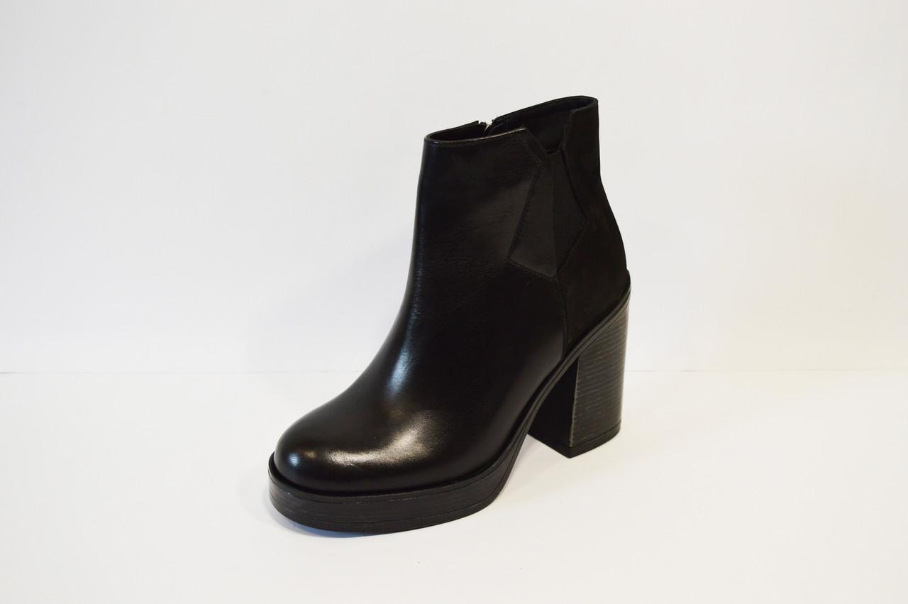 Ботинки женские на высоком каблуке Laura Messi