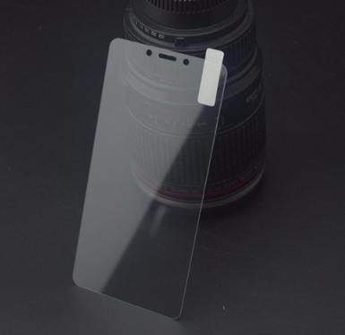 Закаленное стекло для Xiaomi Redmi 4X / края 2.5D / полный клей по всему стеклу + Ликвид / Liquid glass