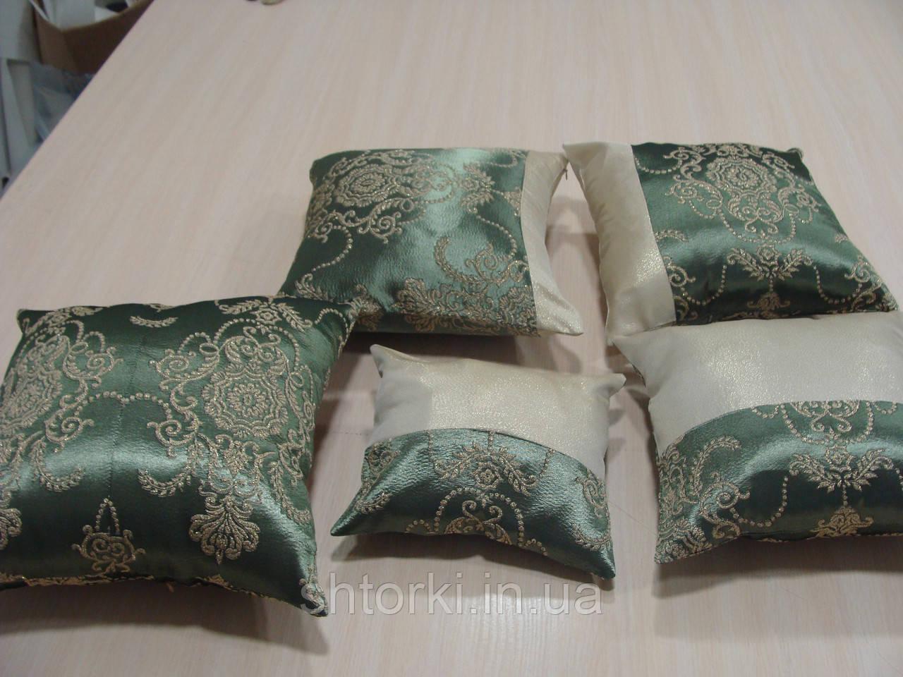 Комплект подушек 5шт зеленые с золотым узором