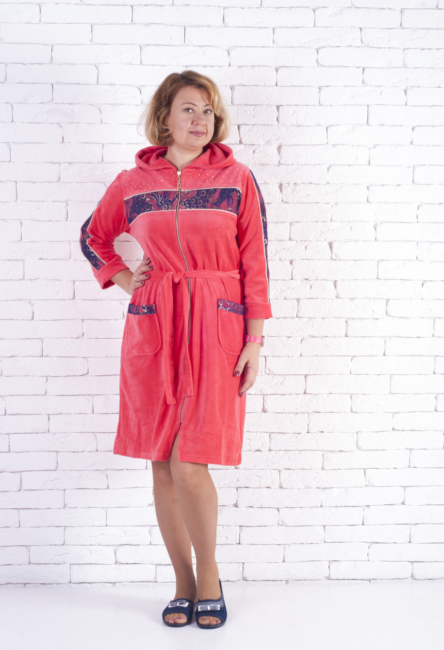 Велюровый халат с капюшоном  женский большие размеры