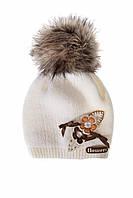 Теплая шапка для девочки Flowers белого цвета, MARIKA (Польша) 2160
