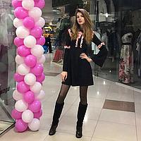 Платье трапеция чёрного цвета с розовыми рюшами