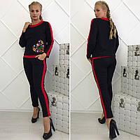 Женский батальный костюм с вышитой аппликацией черный. Арт-14101