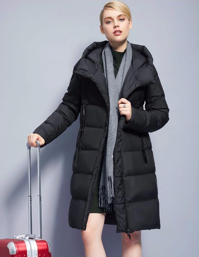 Пуховик пальто женский стеганый комбинированный c капюшоном на молнии черный