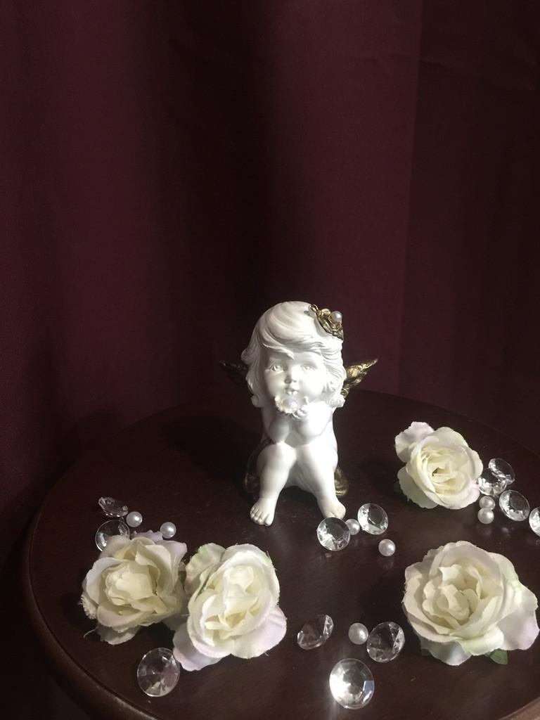 Ангел гипсовый Девочка с жемчужиной золото