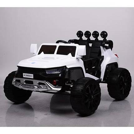Детский электромобиль Hummer M 3598 белый, кожа, амортизаторы, двери, багажник, EVA, ручка-чемодан, фото 2