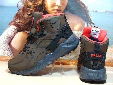 Кроссовки мужские зимние Nike Air Huarache Winter (реплика) хаки 42 р.