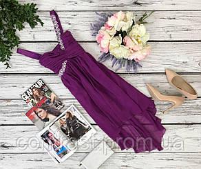 Воздушное платье-коктейль Lipsy с блестящим декором и сборками  DR4288