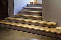 Лестница из массива дерева