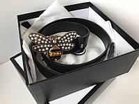 Женский кожаный ремень Gucci с пряжкой пчелка