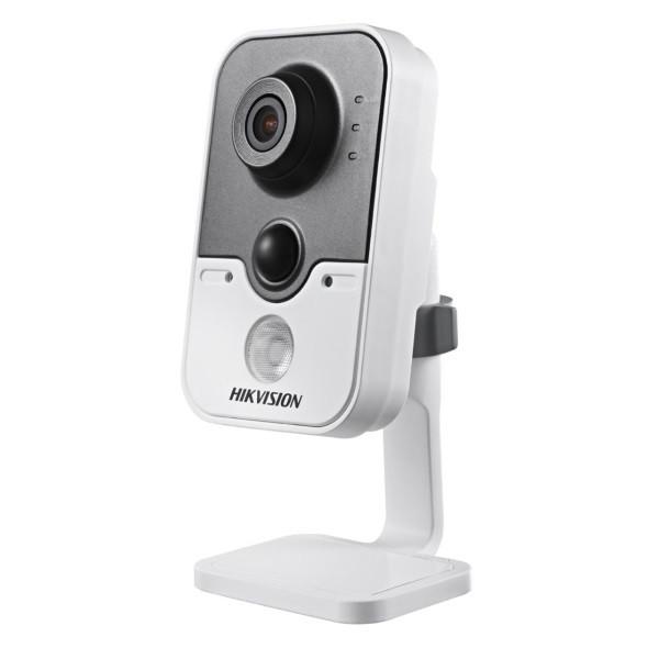 IP відеокамера Hikvision DS-2CD2420F-IW (2.8 мм)