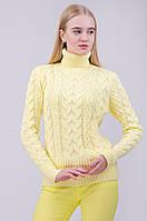 Теплый вязаный свитер косичкой