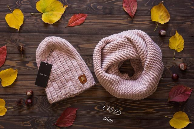 модная шапка и шарф