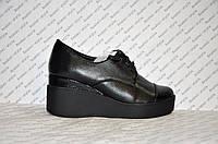 Туфли на танкетке женские из натуральной кожи черные
