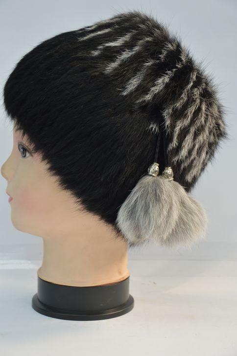 Зимняя меховая женская шапка кубанка чёрная