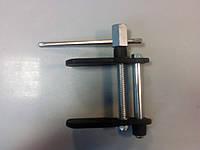 Приспособление для утапливания поршней тормозного цилиндра 1-B1018