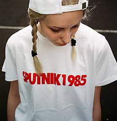 Футболка Спутник 1985 | Женская белая | бирка SPUTNIK