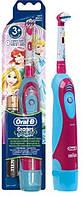 Oral-B Электрическая зубная щетка детская DB4.510 (принцесы)