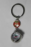Брелок с часами и символикой FC Liverpool