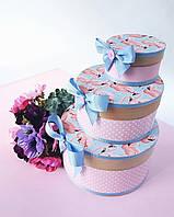 Круглый набор подарочных коробок ручной работы нежно бирюзового цвета с розовыми фламинго