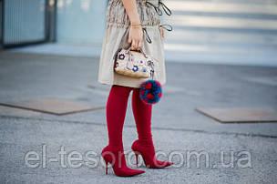 Streetstyle: с чем носить красные сапоги