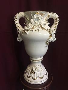 """Ваза настольная керамическая для цветов и цветочных композиций """"Виола""""  белая лепка с золотом"""