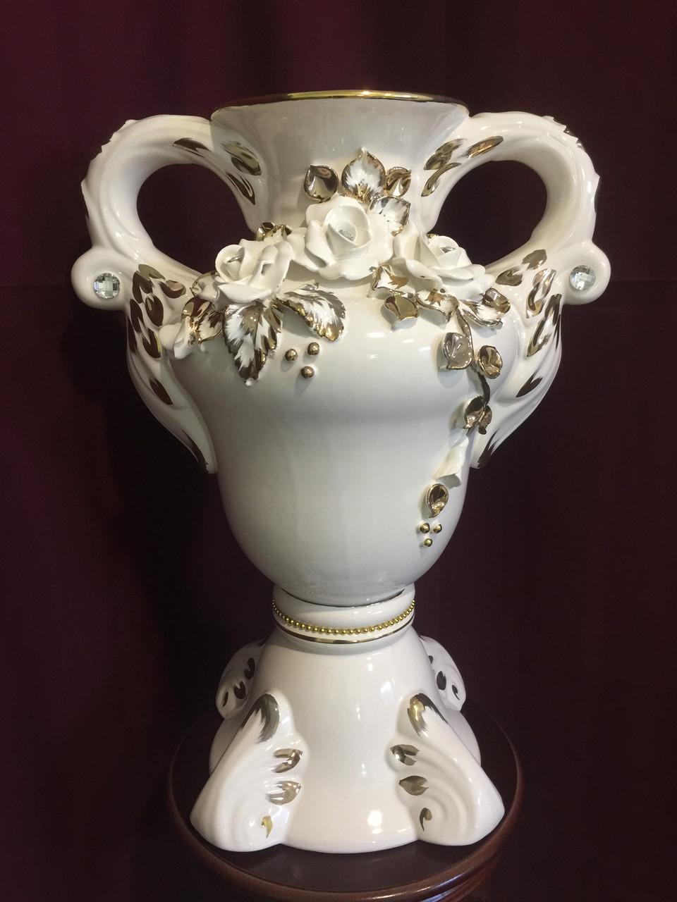 """Ваза настольная керамическая для цветов и цветочных композиций """"Дионис""""  белая с золотом"""