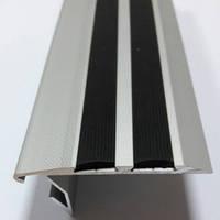 Антискользящий порог под светодиодную ленту с резиновой вставкой