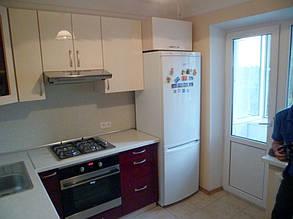 Кухня с фасадами МДФ глянцевая покраска двух цветов