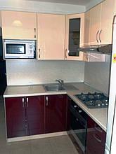 Кухня с фасадами МДФ глянцевая покраска двух цветов 3