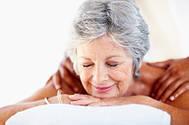 О пользе массажа для пожилых людей