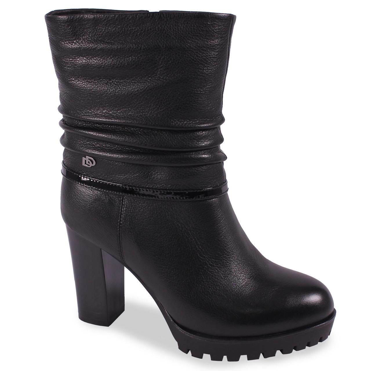 c35f17108e1110 Стильные полу ботинки Lаdy Marcia(зимние, натуральная кожа, на каблуке,  лаковая вставка