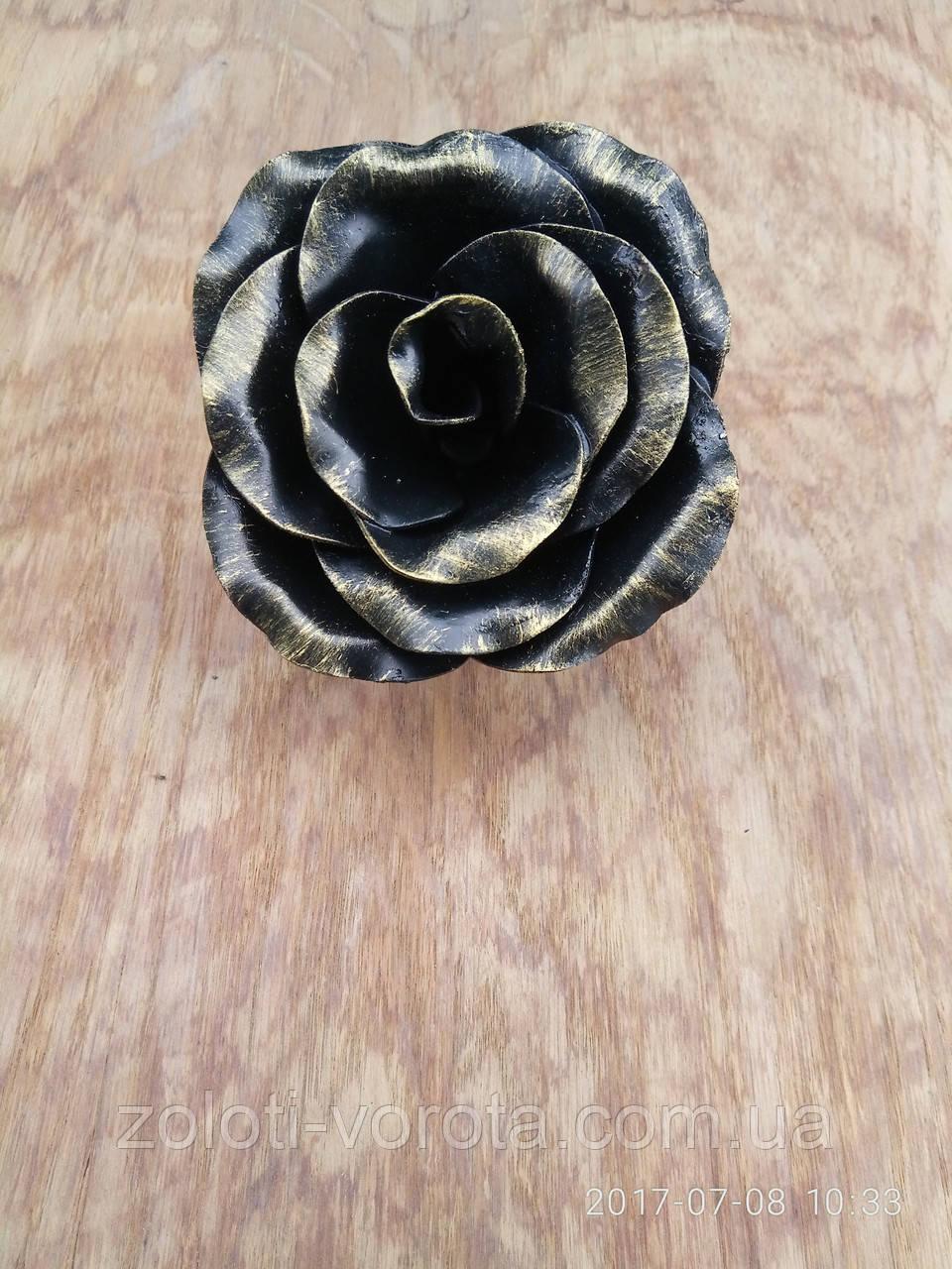 Кованая роза цветок