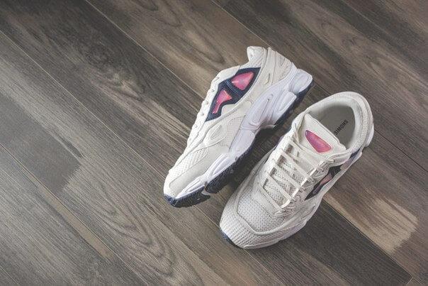 Женские кроссовки Adidas фото