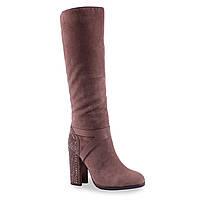 Стильные замшевые женские сапоги (зимние, на удобном каблуке, коричневые, с камнями)