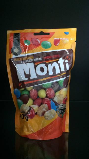 Драже орешки в шоколаде Monti 240г