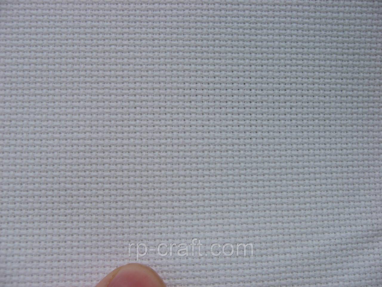Отрез ткани для вышивки. Аида 18 каунт, белая, 29х35 см
