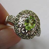 Серебряное кольцо с пакистанскими хризолитами (перидотами)