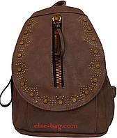 Женский рюкзак с вышивкой на клапане пудровый