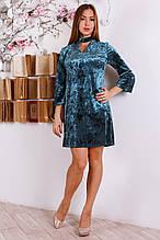 Модное молодежное платье из велюра с чокером