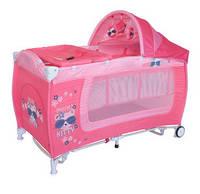 Детский манеж-кровать Bertoni DANNY 2L ROCKER (pink kitty), дуга с игрушками, пеленальный столик