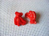 Пуговица пластиковая, декоративная, на ножке. Мишка красный, 15х17 мм