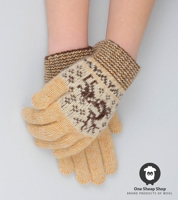 Вязаные перчатки женские