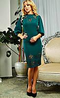 Женское платье модного изумрудного цвета