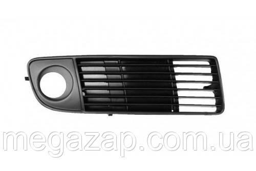 Решетка переднего бампера правая AUDI A6 (97-00)
