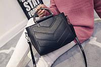 Черная городская женская сумка среднего размера
