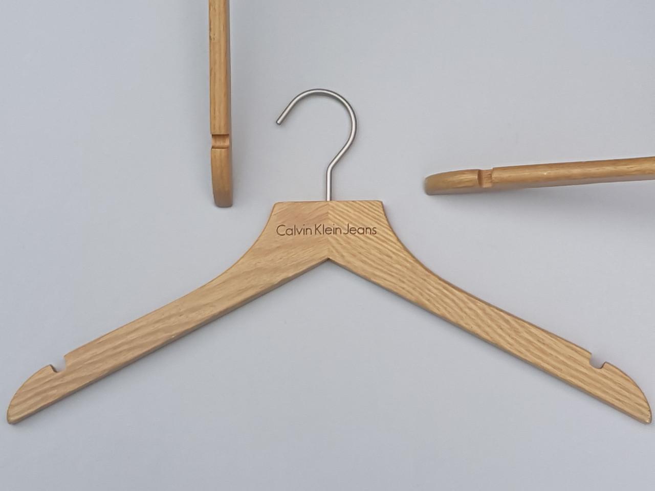Плечики длиной 44 см вешалки деревянные бренда Calvin Klein. Уцененные!