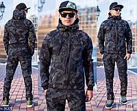 Мужской темно пятнистый спортивный костюм с замком на кармане и  капюшоном. Арт-13002