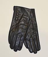 Женские перчатки из натуральной кожи на плюшевой подкладке