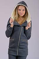 Теплая куртка женская удлиненная демисезонная трикотажная серая темная на молнии с капюшоном Украина